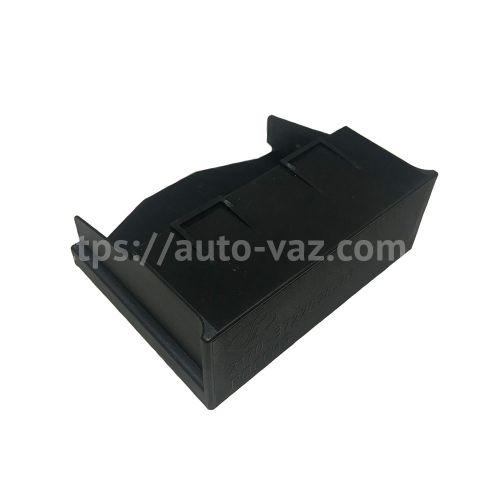Крышка дополнительного блока предохранителей ВАЗ-2170 Пегас